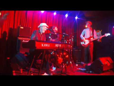Dom Pipkin's Ikos Trio - Everytime I hear The Mellow Saxophone