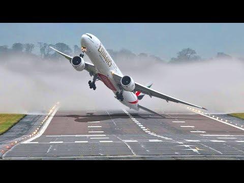 Sie haben das Flugzeug während des Sturms auf wundersame Weise gelandet!