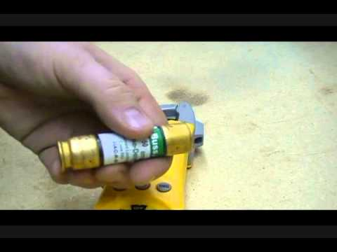 3 Ways to Check Fuses - wikiHow
