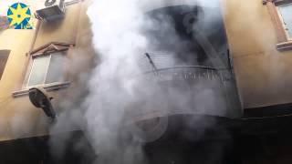 بالفيديو : حريق بأحد المحال التجارية في منطقة القومية بامبابة