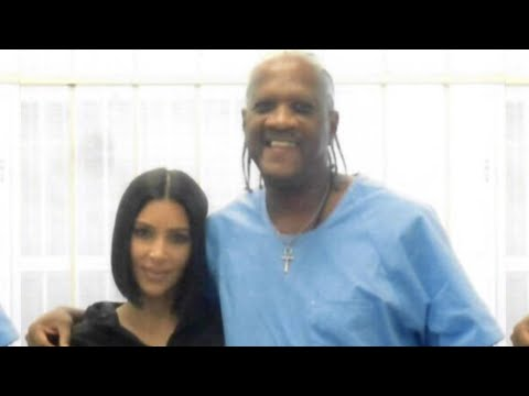 Kim Kardashian appears at WrestleMania 24 from YouTube · Duration:  1 minutes 4 seconds