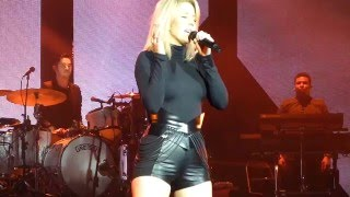 Ellie Goulding - Holding On For Life (HD) @ Max-Schmeling-Halle Berlin 22.01.16