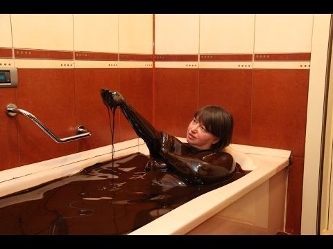 Black gold shower? Crude Oil Bath in Naftalan Azerbaijan