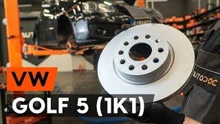 Kā nomainīt priekšējās bremžu diski VW GOLF 5 (1K1) [AUTODOC VIDEOPAMĀCĪBA]