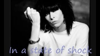 Pretenders - Thin line between love and hate (lyrics on clip)
