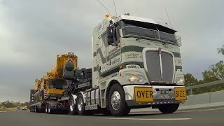 Membreys Kenworth K200 and Liebherr LTM 1350 on the Calder Highway.