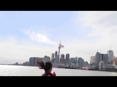 Meteor hits CN Tower, Toronto