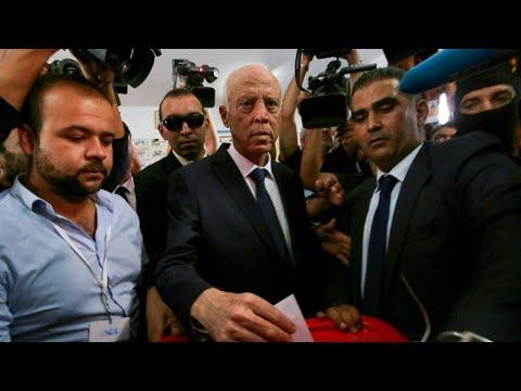 الأجواء في تونس بعد إعلان فوز قيس سعيّد في الانتخابات الرئاسية  - نشر قبل 9 ساعة