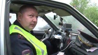 Сотрудники ГИБДД провели рейд среди водителей легковых такси(Погодные условия не помешали сегодня сотрудниками ГИБДД провести рейд по выявлению нелегальных перевозчи..., 2016-05-12T14:29:47.000Z)