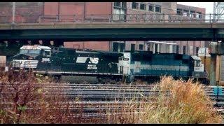 Railfanning Buffalo on 11/23/11 & HO Scale Christmas Train