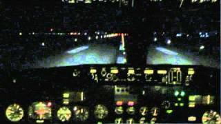 Boeing 737 cockpit landing (light turbulence and crosswind)