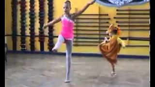 видео Прыжок в балете - одна из сложных фигур танца
