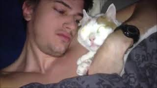 Guy has sex with cat
