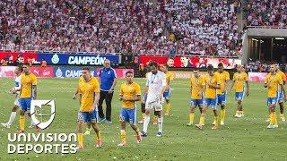 Tigres y la reprochable actitud de algunos de sus jugadores al recoger la medalla thumbnail