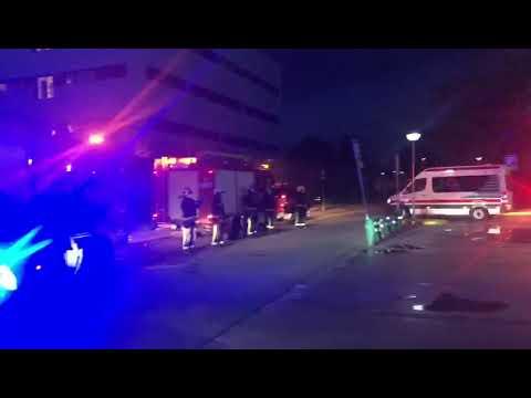 Hospital Reina Sofía: Aplauso de equipos médicos y bomberos