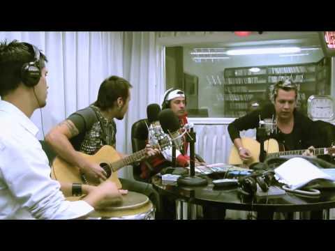 Troy - Bailando en Soledad -  acústico en Radio FM Tiempo