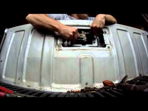 How To Fix Tailgate Latch On Colorado 2004 2012 Youtube
