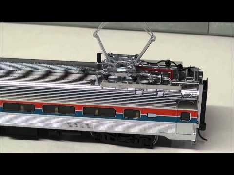 Review: Walthers Proto 85′ Budd Metroliner Coach DCC/Sound Amtrak 920-14842 HO Phase