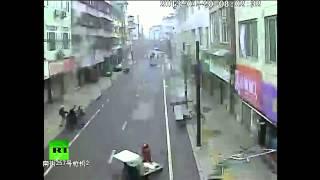 Запись камер видеонаблюдения: землетрясение в Китае 20 апреля