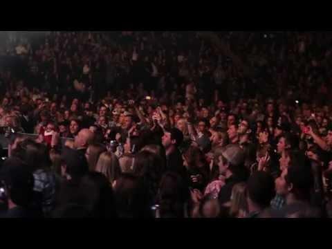 Tim Hicks - Dierks Bentley Riser Tour 2014