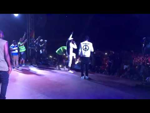 Reggie Rockstone Surprises Stonebwoy At Peace & Unity Concer