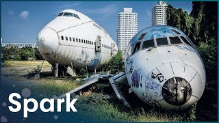 Jumbo Jet Strip Down | Engineering Giants | Spark