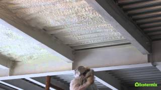 Утепление перекрытия напылением пенополиуретана(На видео представлено утепление перекрытия офисного здания напыляемым пенополиуретаном Экотермикс. Адрес..., 2016-03-28T09:17:56.000Z)
