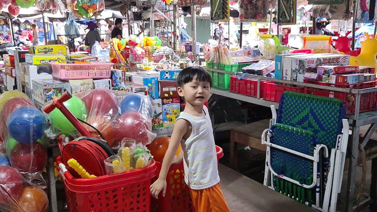 Cuối tuần Tin đi chợ với Mẹ ❤ Đồ chơi trẻem Tin Siêu Còi