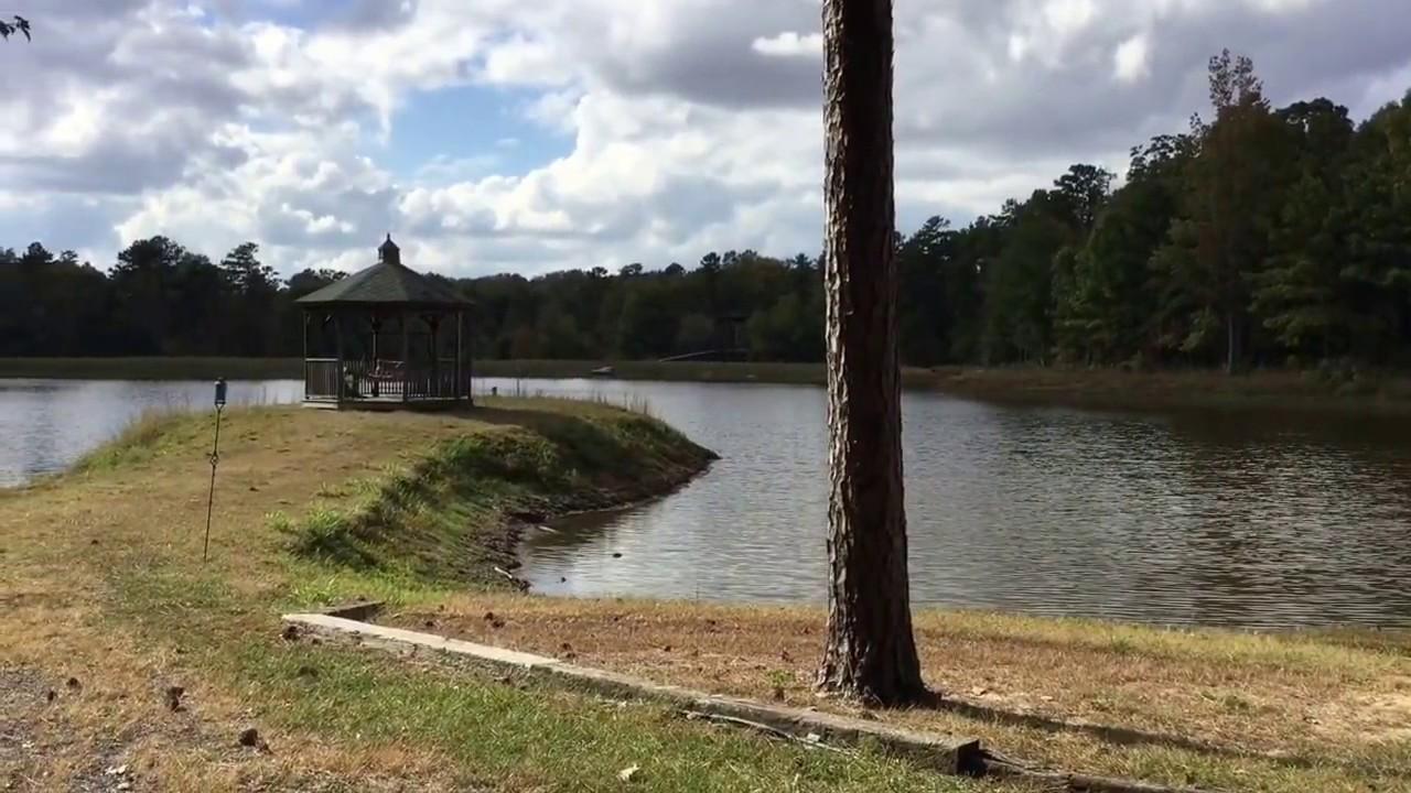 Hidden Lake located on Lookout Mountain in beautiful Northeast Alabama
