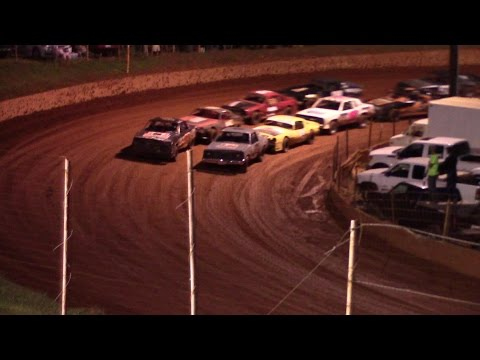 Winder Barrow Speedway Stock Eight Cylinders Feature Race 8/8/15