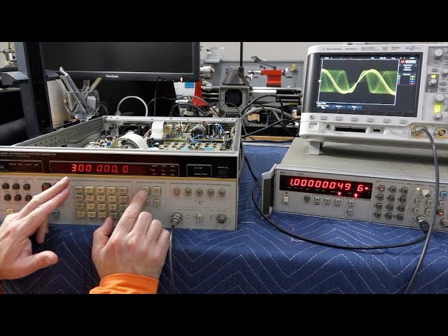 HP 3325A Frequency Synthesizer Repair: keys, caps and PLL trouble