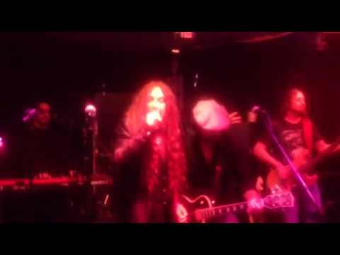 Jess Harnell Don't Stop Believing Live Tribute To Mrs Robin