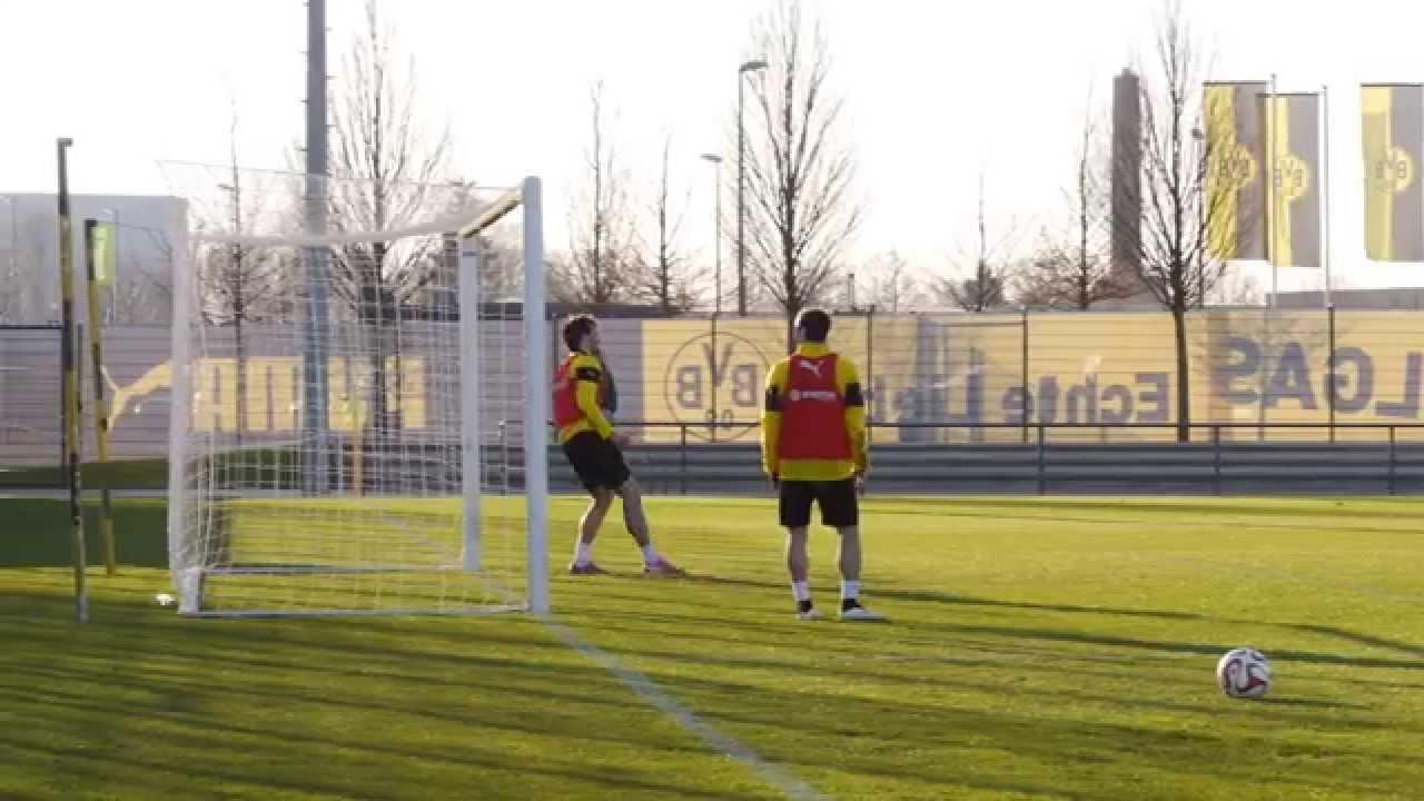 Pierre-Emerick Aubameyang vs. Mats Hummels the goalie   BVB