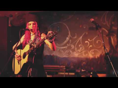 Zoe Ravenwood- Souvenir (Live) // Electric Maid Washington, DC
