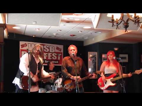 """Finn and His Mortal Enemies """"Clarity Begins At Home Rainy night in SOHO,"""" WUSB Benefest 8-22-15"""