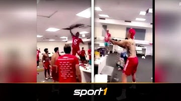 Kabinen-Eskalation! So wild feiern die Bayern | SPORT1