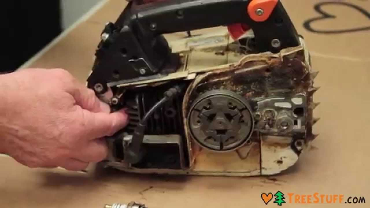 how to fix a chainsaw removing and inspecting an outboard clutch drive system [ 1280 x 720 Pixel ]