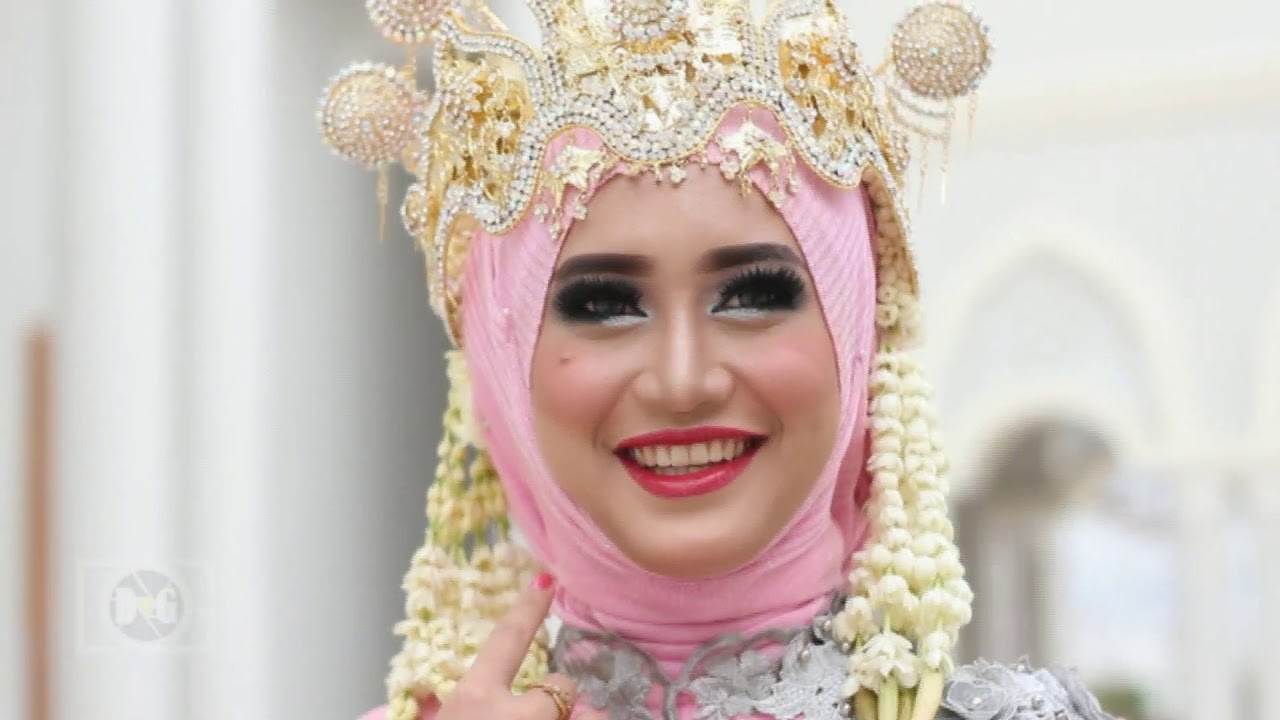 Photoshoot Baju Pengantin Wanita Adat Sunda Siger Sunda Muslim