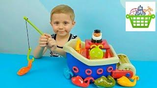 Корабль для детей - Ловись рыбка большая и маленькая. Играем с Даником в рыбалку.