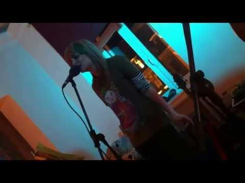 Девушка Гангстера (репетиционное демо 2009) - Люся Тёща Махова/Дайте 2 - радио версия