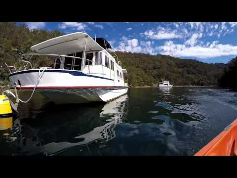 Houseboat on the Hawkesbury!
