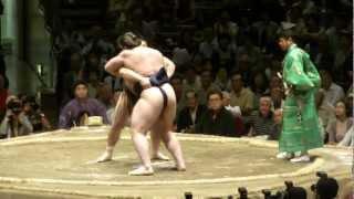 事実上の優勝戦でしたので、力が入りました。 日馬富士大関の意地を見せ...