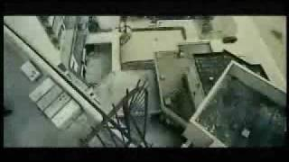 Download Video Run Escape Jump actiOn stunt Crazy video MP3 3GP MP4
