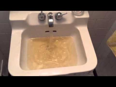 Nasty brown water coming from faucets in Bethesda! - YouTube