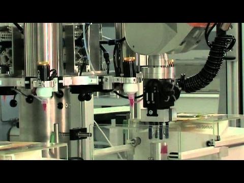 A quick mix: Robots help speed up the development of new materials