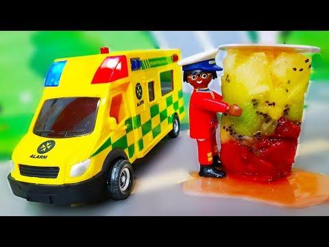Мультики про машинки. Петрович спасает Лего город - Делаем фруктовое мороженое. Видео с игрушками