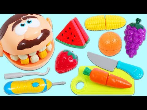 Feeding Mr. Play Doh Head Toy Velcro Cutting Fruits and Vegetables!