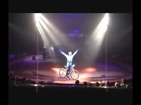 Marc Giely acrobat circus mountain bike act
