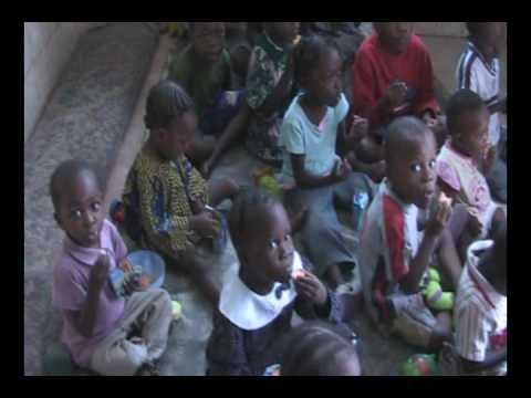 African Children Eating | Africa Imports