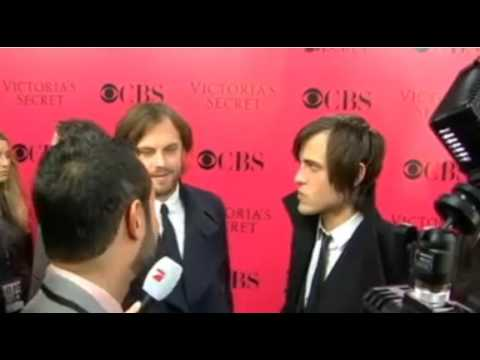 Kings of Leon (Caleb & Jared Followill) at Victoria's Secret Pink Carpet (Interview)